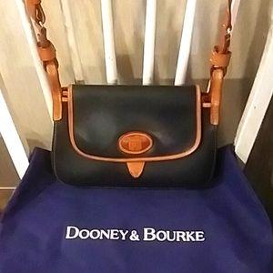 Vintage Black Dooney&Bourke Shoulder Bag